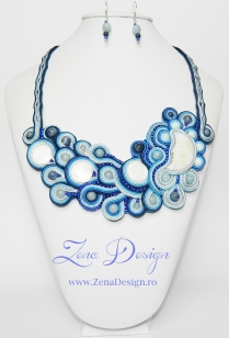 blue necklace (19)